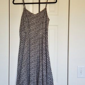 Old Navy black and white sundress size small